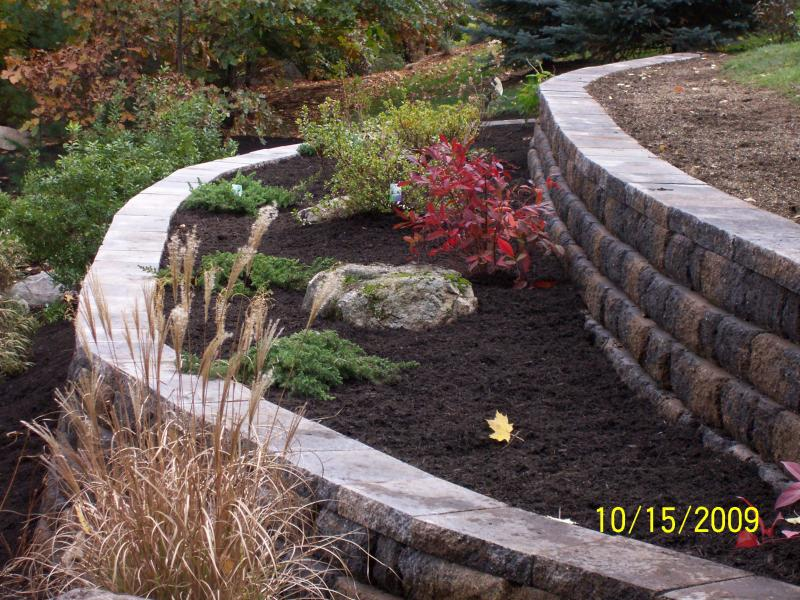 The use of smaller block allow for decorative curves and the tier 